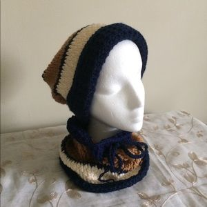 Accessories - NWOT SET HAT AND COLLAR KNITTED